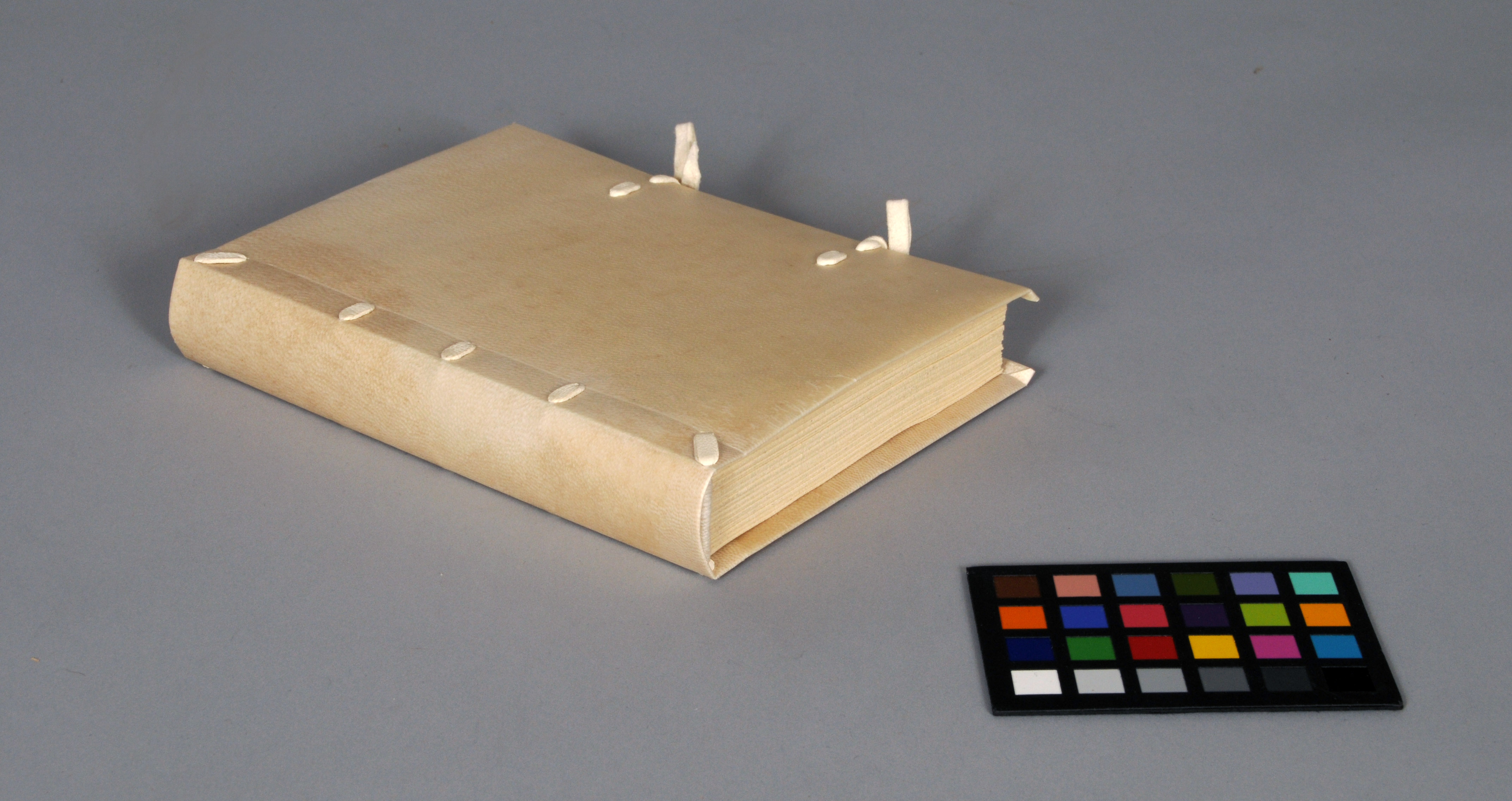 term paper bindings 3) limp parchment binding sewing structure commonly found in southwestern europe from the 15th to 18th centuries with book blocks in parchment and paper.